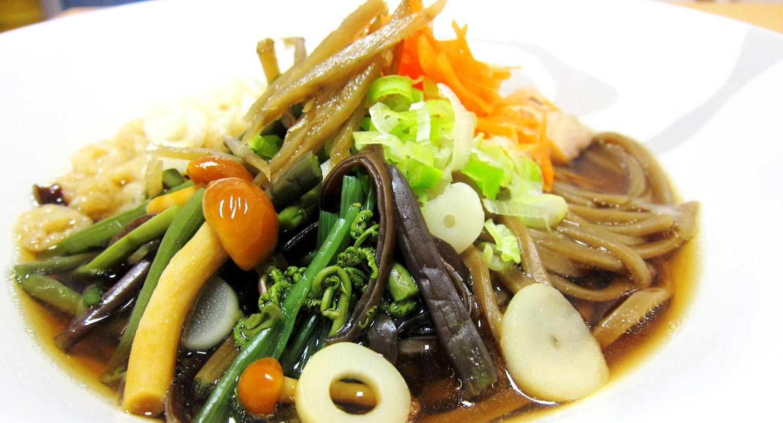 あおもりご当地食めぐり 十和田・三沢食のエリア 米粉ごぼううどん