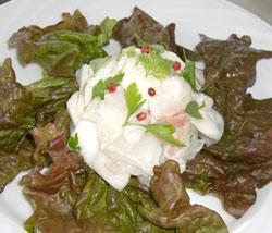 野辺地葉つきこかぶと白身魚のサラダ