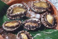 あおもりご当地食めぐり はちのへ食のエリア いちご煮 いちご煮に使われるアワビ