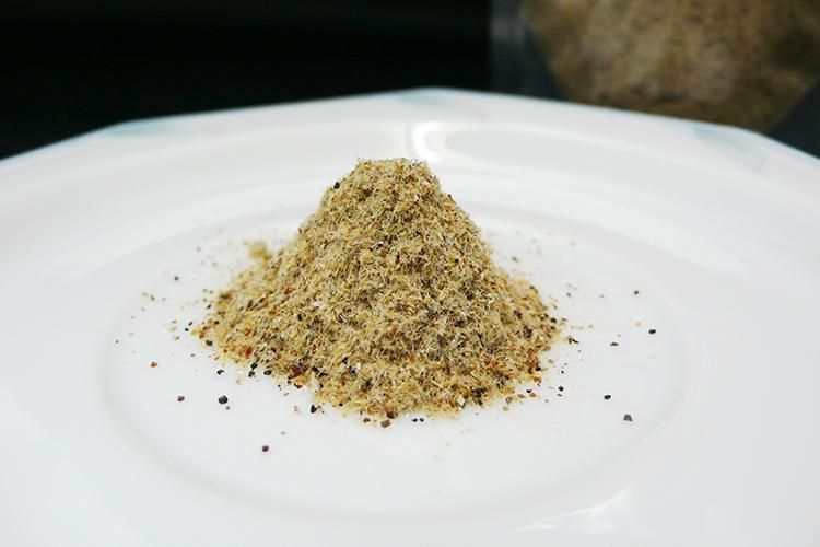だしとしてまるごといただく「食べるダシ粉」