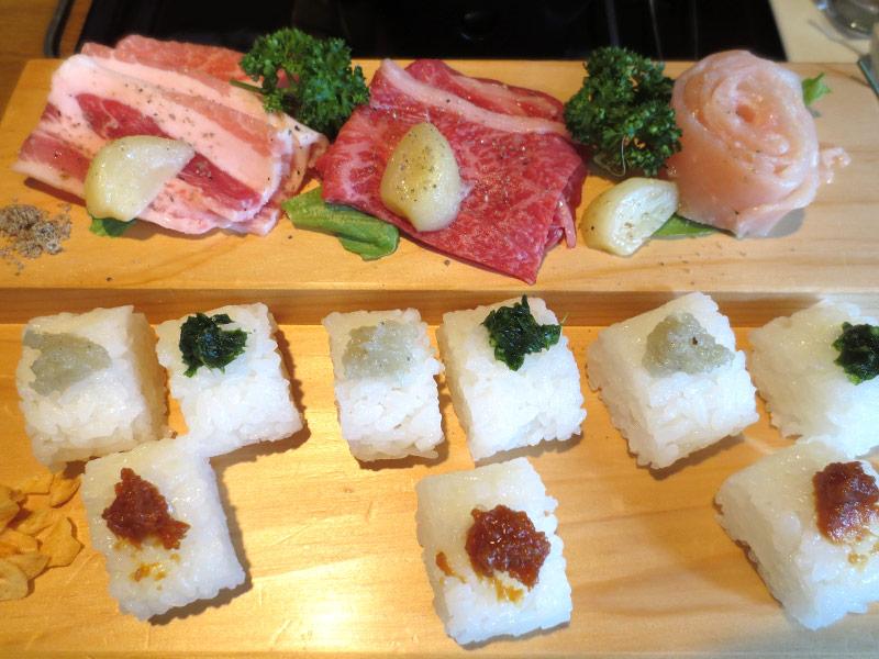 メイン料理 ガーリックステーキ寿司と味噌汁
