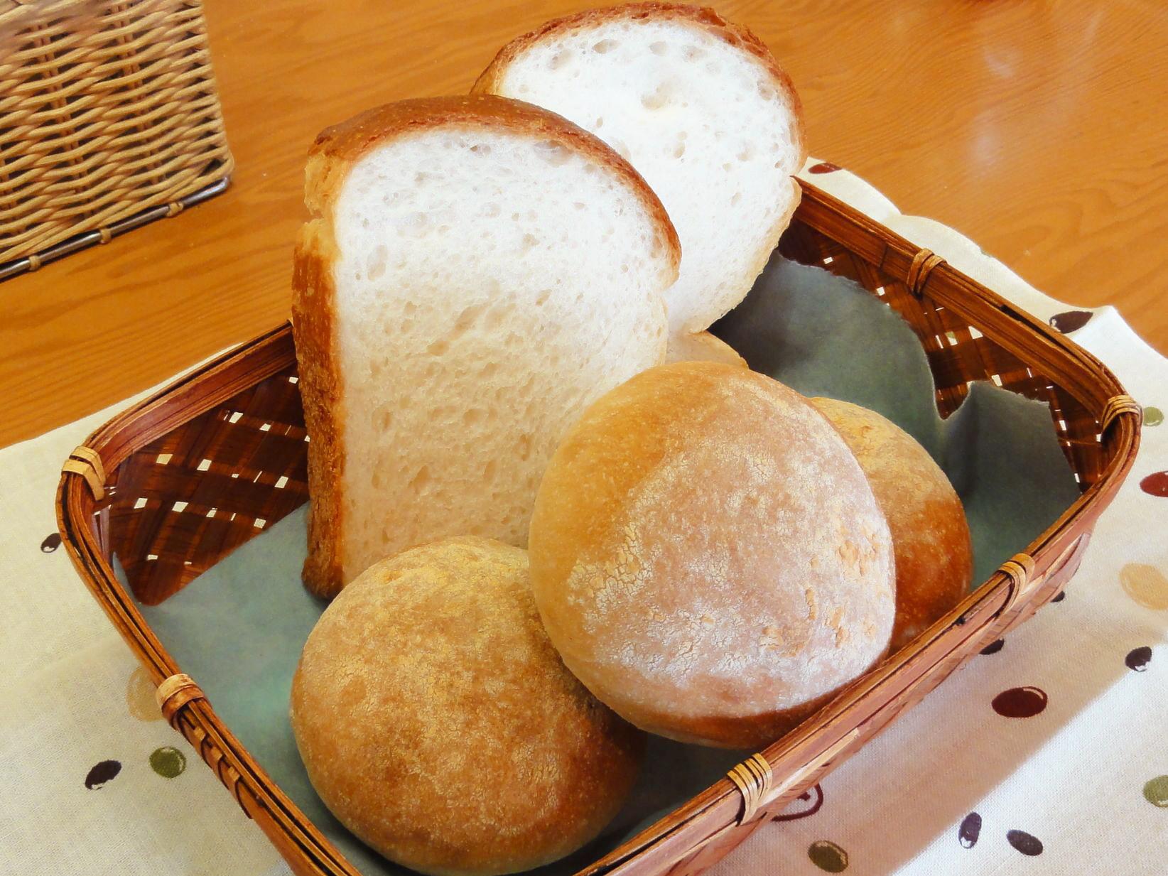 食パン、ロールパン
