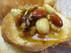 澤谷養蜂園の新商品「食べる蜂蜜」