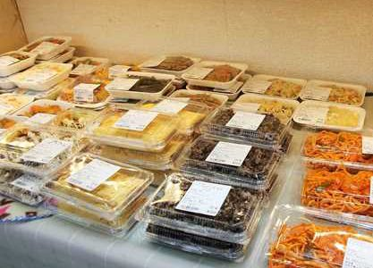 JA相馬村特産物直売センター「林檎の森」直売所の食堂で手作りしている惣菜