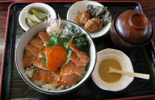 あおもりご当地食めぐり 奥津軽食のエリア 鰺ヶ沢イトウ料理 イトウ丼