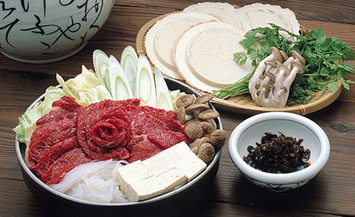 馬肉で作る「桜鍋」